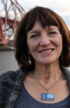 FionaMaxwell-atForthRdBridge